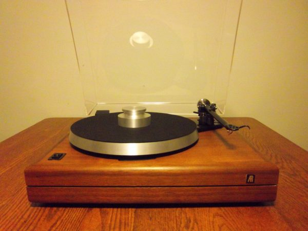 Gorgeous AR the Turntable w/Rega Arm and Many Upgrades