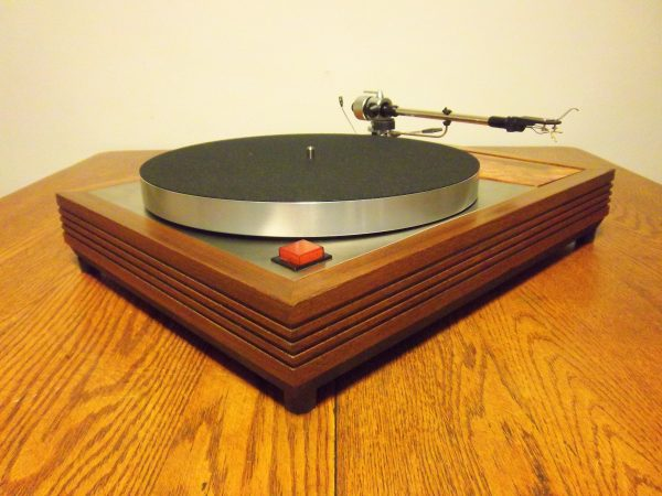Turntable Blog - Vinyl Nirvana - Vintage AR and Thorens
