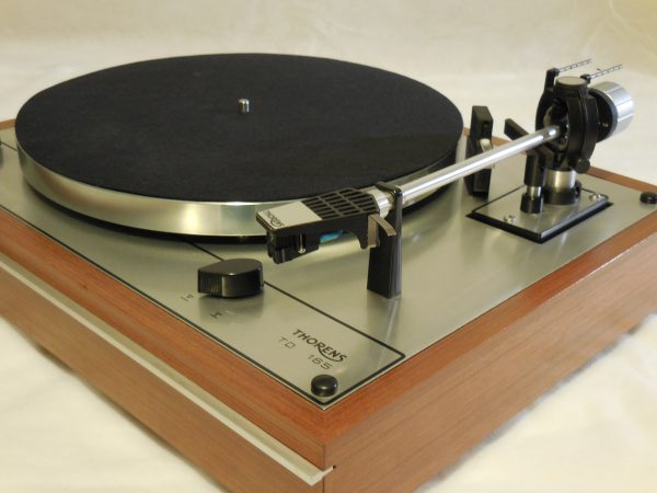 starter package vintage thorens td 165 turntable includes shure m91ed cartridge with new stylus. Black Bedroom Furniture Sets. Home Design Ideas