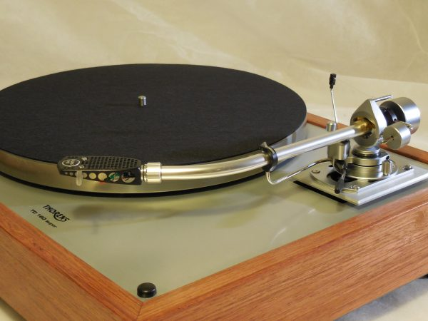 Custom Thorens TD-160 Super Reproduction, Rewired SME 3009 arm, Brazilian Cherry Plinth 04