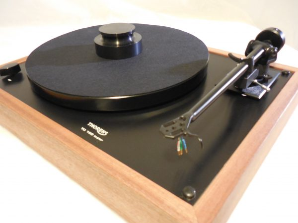 Thorens TD-160 Super Reproduction, Midnight Edition (ME), Upgraded Rega (Moth) RB-202 arm, Sapele plinth 01