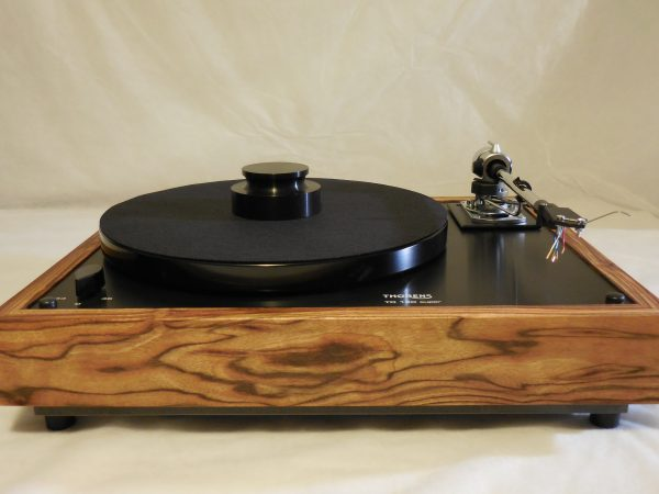 Thorens TD-160 Super Reproduction, Midnight Edition (ME), new SME m2-9 arm, Caribbean Rosewood plinth 01