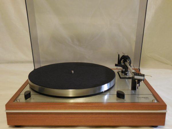 Starter Package!  Vintage Thorens TD-165 Turntable, w/used Stanton cartridge, new stylus 01