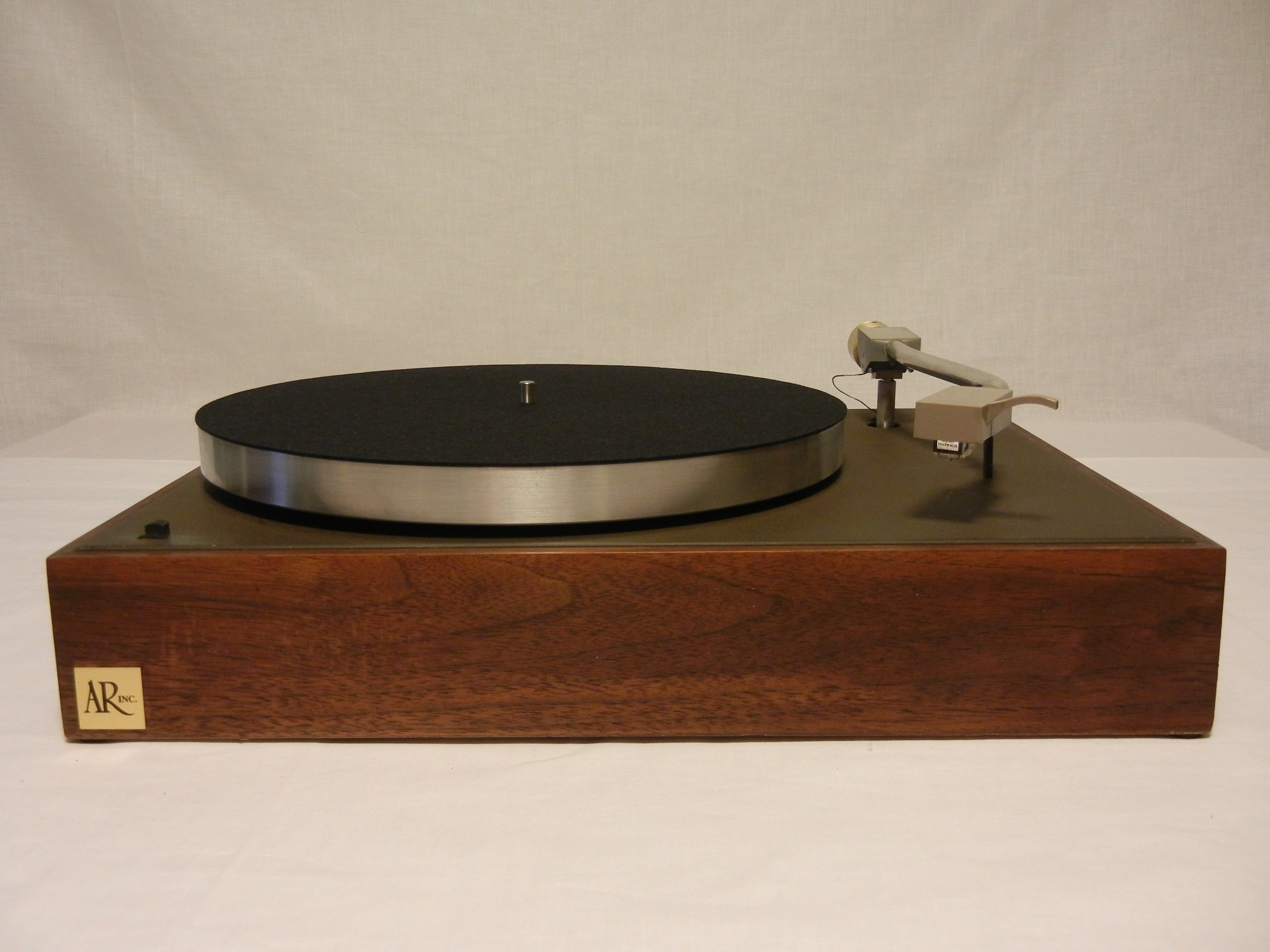 Audio Note TT2 Deluxe turntable with outboard power supply
