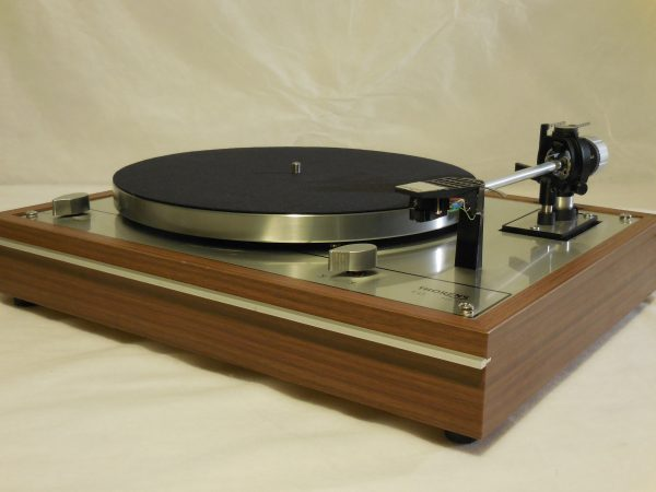 dscn0529 ar turntable vinyl nirvana acoustic research merrill thorens td 160 for sale. Black Bedroom Furniture Sets. Home Design Ideas