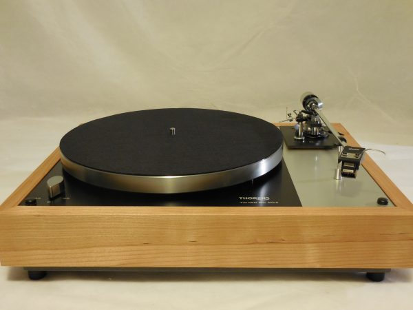 Gorgeous Thorens TD-160BC Mkii in Quarter-sawn cherry with Grace 707 arm & Shure cartridge 01