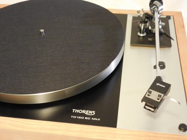 Gorgeous Thorens TD-160BC Mkii in Quarter-sawn cherry with Grace 707 arm & Shure cartridge 03