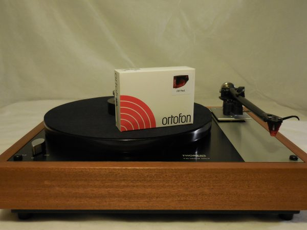 Stunning Thorens TD-160BC  in African Mahogany with rewired Rega RB-300 arm & Ortofon 2M Red cartridge 02