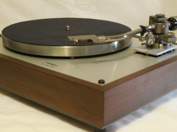 Custom Thorens TD-160 Super Reproduction, new Jelco 750D tonearm, Peruvian Walnut Plinth 01