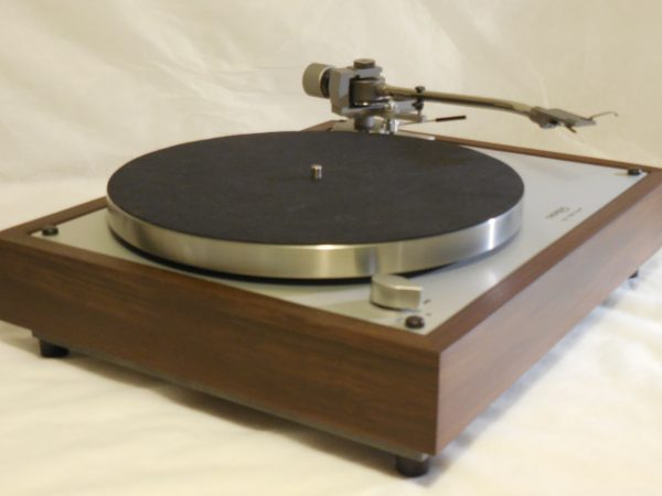 Custom Thorens TD-160 Super Reproduction, new Jelco 750D tonearm, Peruvian Walnut Plinth 02