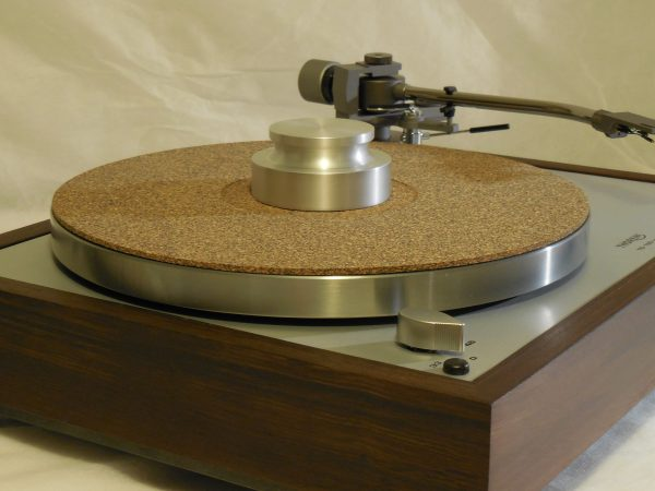 Custom Thorens TD-160 Super Reproduction, new Jelco 750D tonearm, Peruvian Walnut Plinth 04