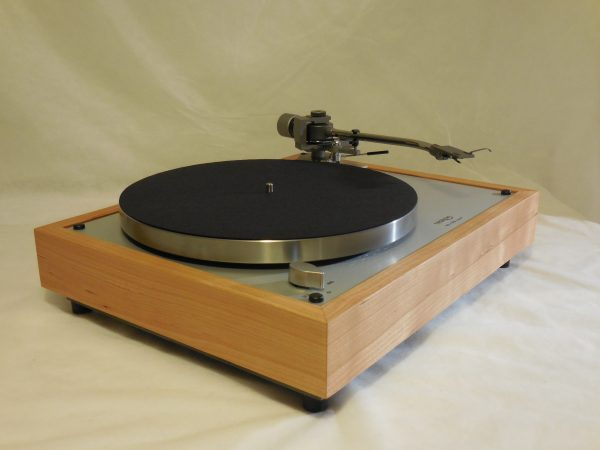 Gorgeous Thorens TD-160 Super Reproduction, new Jelco 750D tonearm, Quarter-sawn Cherry Plinth 02