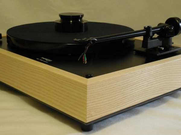 Custom Thorens TD-160 Super Reproduction, Midnight Edition (ME), Upgraded Rega (Moth) RB-202 arm, White Ash Plinth 03