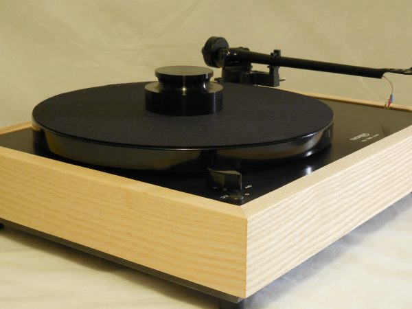Custom Thorens TD-160 Super Reproduction, Midnight Edition (ME), Upgraded Rega (Moth) RB-202 arm, White Ash Plinth 02