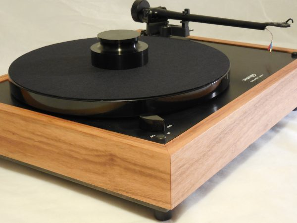 Custom Thorens TD-160 Super Reproduction, Midnight Edition (ME), Upgraded Rega (Moth) RB-202 arm, Tigerwood Plinth 01