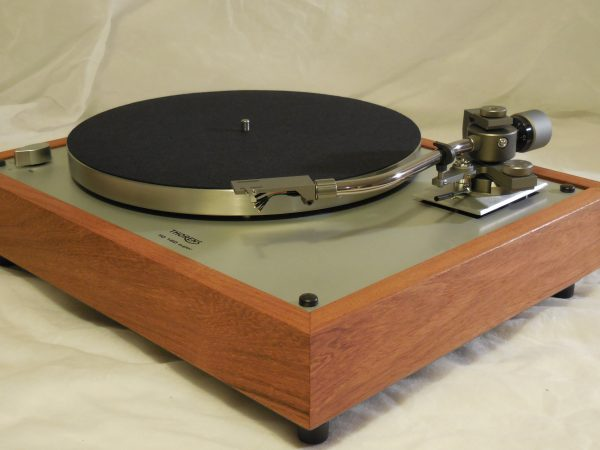 Gorgeous Thorens TD-160 Super Reproduction, new Jelco 750D tonearm, Caribbean Rosewood Plinth 01
