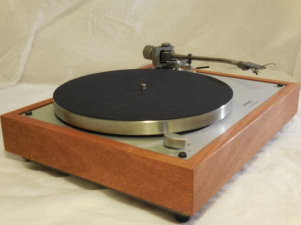 Gorgeous Thorens TD-160 Super Reproduction, new Jelco 750D tonearm, Caribbean Rosewood Plinth 02