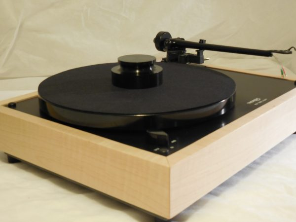 Custom Thorens TD-160 Super Reproduction, Midnight Edition (ME), Upgraded Rega (Moth) RB-202 arm, Tiger Maple 01