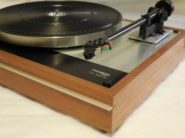 Classic Thorens TD-160B w/ new Rega (Moth) RB-202 arm and Grado cartridge 03