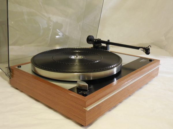 Classic Thorens TD-160B w/ new Rega (Moth) RB-202 arm and Grado cartridge 01