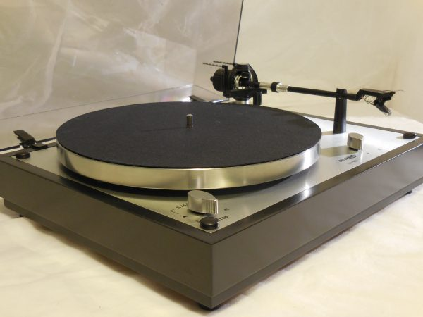 Starter Package! Stock Thorens TD-146Turntable Package, featuring auto-shut off 01