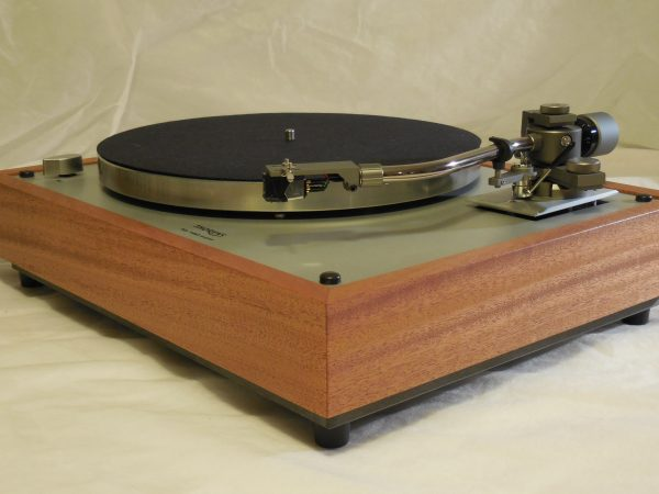 Gorgeous Thorens TD-160 Super Reproduction, new Jelco 750D tonearm, African mahogany plinth 03
