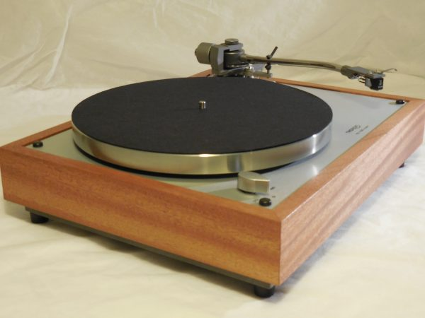 Gorgeous Thorens TD-160 Super Reproduction, new Jelco 750D tonearm, African mahogany plinth 01