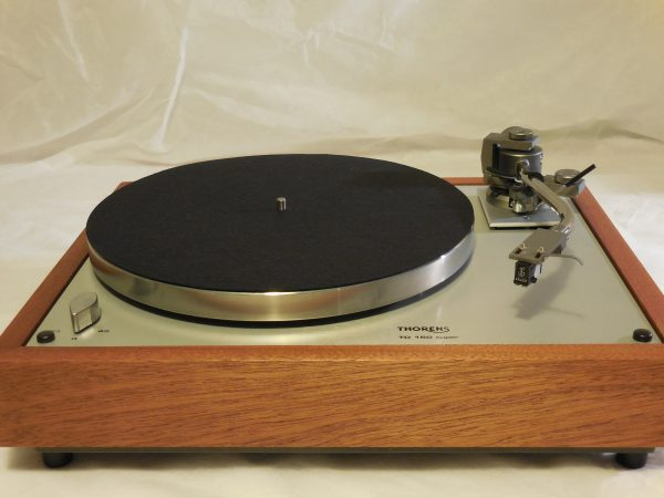 Thorens TD-160 Super Reproduction, new Jelco 750D tonearm, Sipo plinth 01