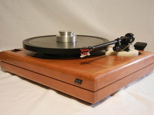 ar_es-1_turntable_maxed_out_rb-301_cherry_01