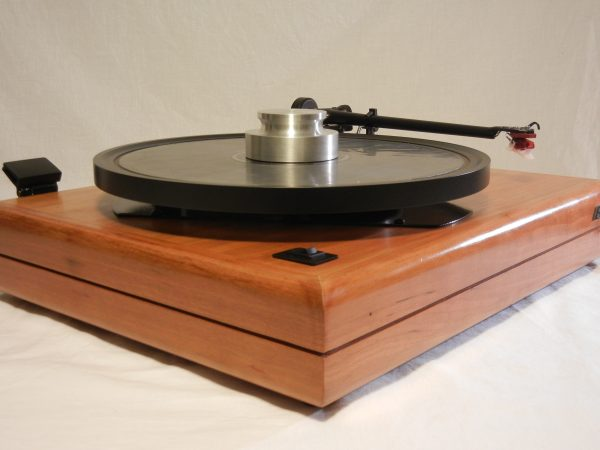 ar_es-1_turntable_maxed_out_rb-301_cherry_05
