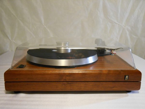 ar_the_turntable_vintage_linn_lvx_walnut_02