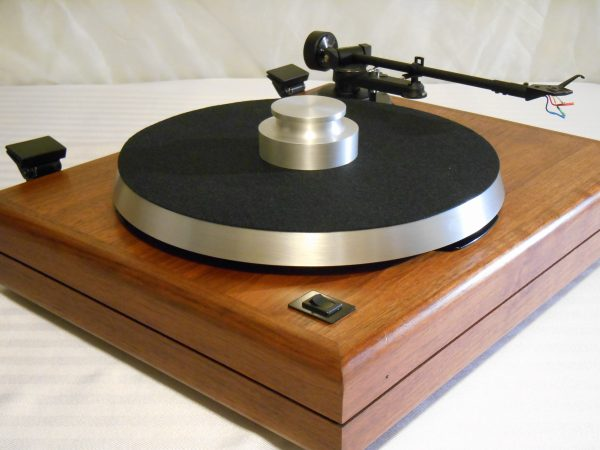 ar_the_turntable_vintage_linn_lvx_walnut_04
