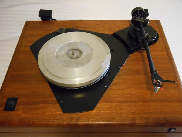 ar_the_turntable_vintage_linn_lvx_walnut_06