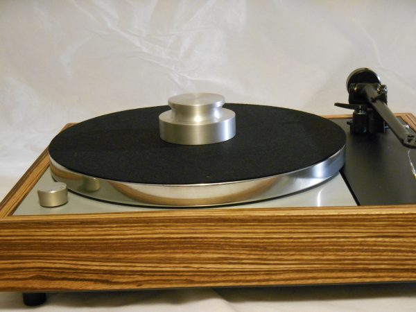 Can a turntable be sexy? Hell yes!