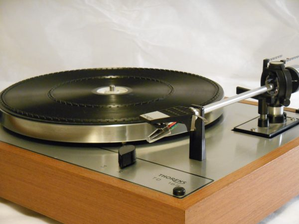 Vintage _Thorens_TD-165_Turntable_may_01