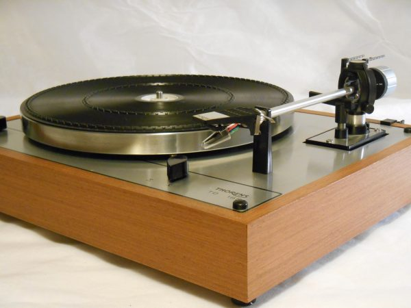 Vintage _Thorens_TD-165_Turntable_may_03