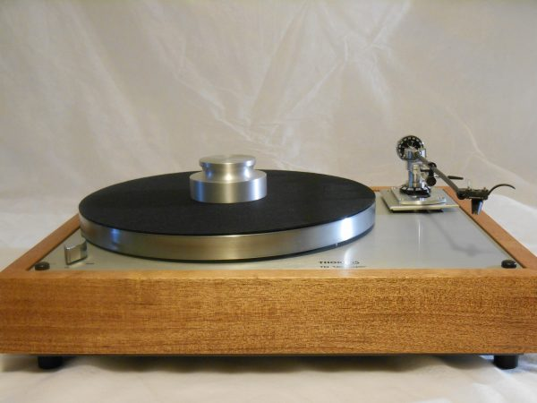 vintage_thorens_td-160_super_turntable_repro_AF_infinity_black_widow_02