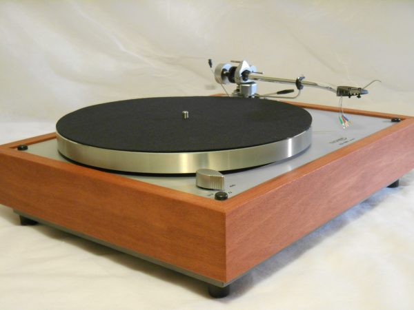 Thorens TD-160 Super Reproduction in Solid Santos Mahogany w/SME 3009 Tonearm  06