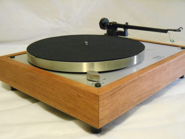 Thorens TD-160 Super Reproduction, Upgraded Rega (Moth) RB-202 arm, Brazilian cherry 03