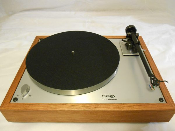 Thorens TD-160 Super Reproduction, Upgraded Rega (Moth) RB-202 arm, Brazilian cherry 05