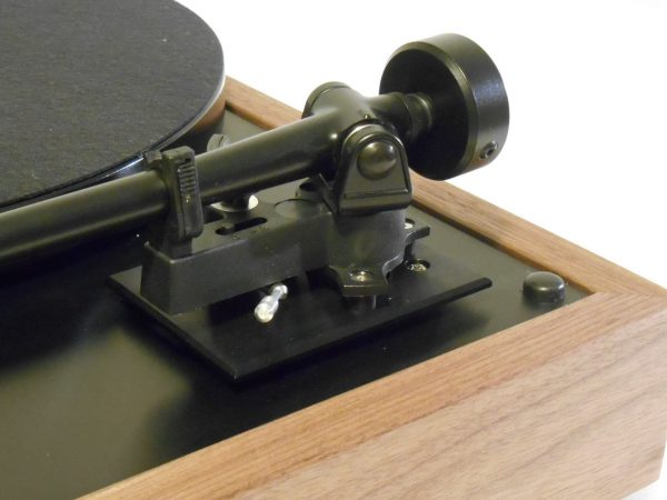 Thorens TD-160 Super Reproduction, Midnight Edition (ME), Upgraded Rega (Moth) RB-202 arm, solid Black Walnut plinth 03