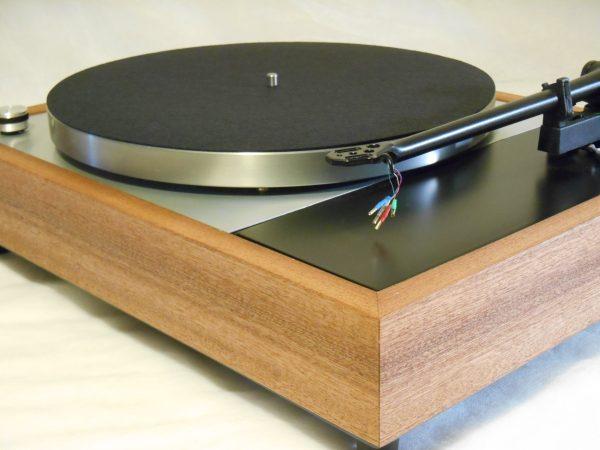 Vinyl Nirvana's VN-150! A Transformed Thorens TD-150 in custom Sapele plinth, Upgraded Rega (Moth) RB-202 Tonearm, Music Hall Cruise Control 03