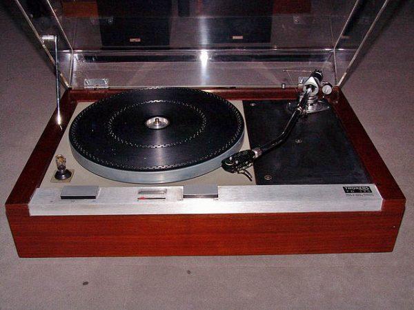Turntable Blog Vinyl Nirvana Vintage AR and Thorens